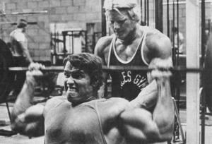 arnold-schwarzenegger-bodybuilding-weight-lifting